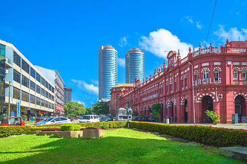 Sri Lanka「Old and new buildings in Fort」:スマホ壁紙(15)