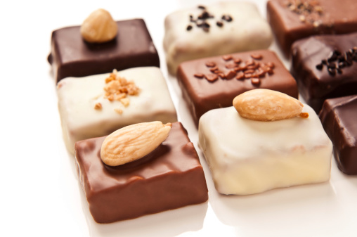Hazelnut「Luxury hand made white, milk, dark chocolates isolated on white」:スマホ壁紙(18)