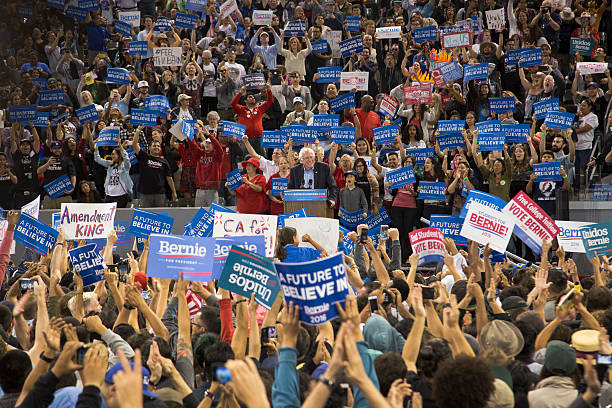 Democratic Candidate Bernie Sanders Holds Campaign Rally In Carson, California:ニュース(壁紙.com)