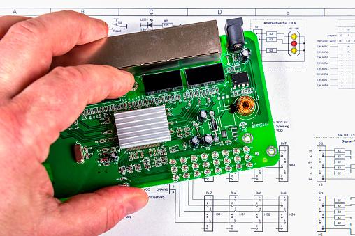 Engineer「workplace of an electronics engineer」:スマホ壁紙(10)