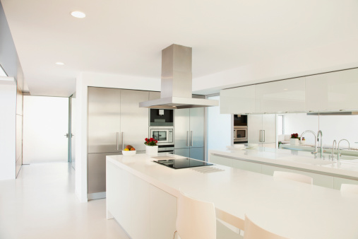 Villa「Stove and counters in modern kitchen」:スマホ壁紙(10)