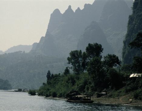 Guilin Hills「Li River in Guilin, China」:スマホ壁紙(16)
