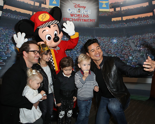 Mickey Mouse「Disney On Ice presents Worlds Of Enchantment Celebrity Guests (STAPLES Center Los Angeles)」:写真・画像(13)[壁紙.com]