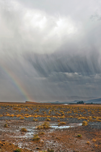 Morocco「Rainbow and Storm in Desert, Morocco Africa」:スマホ壁紙(6)