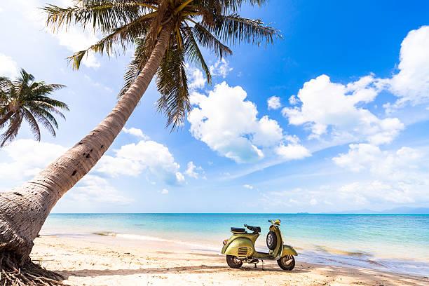 Bike on the beach:スマホ壁紙(壁紙.com)
