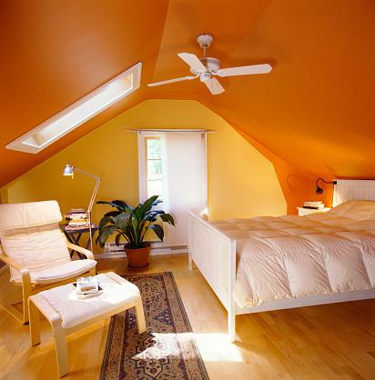 Orange Color「Paint Brightening Attic Bedroom」:スマホ壁紙(12)