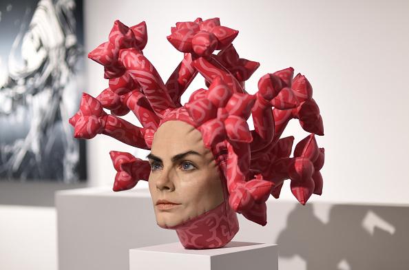 Stuart C「Unveiling Of Aspencrow's Cara Delevingne Sculpture 'Olympe' - Photocall」:写真・画像(3)[壁紙.com]