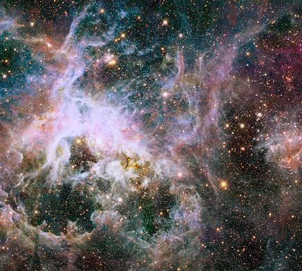 天の川「Star formation in the Tarantula Nebula.」:スマホ壁紙(11)