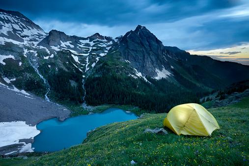 ハイキング「Backpacking at Blue Lakes in the San Juan mountains near Ouray, Colorado.」:スマホ壁紙(15)