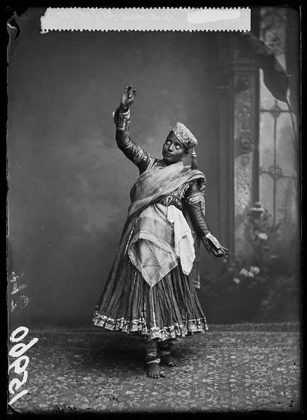 インド系民族「Nautch Girl」:写真・画像(13)[壁紙.com]