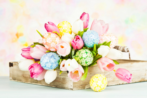 Girly「Tulip Bouquet with Easter Eggs - Horizontal」:スマホ壁紙(14)