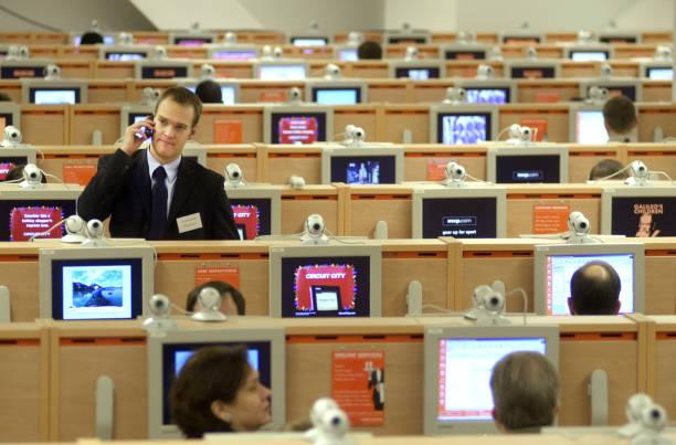 Largest Internet Cafe in Times Square:ニュース(壁紙.com)