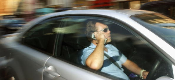 運転手「Drivers To Face Mobile Phone Ban In England」:写真・画像(13)[壁紙.com]