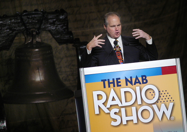 Philadelphia Eagles「Rush Limbaugh Speaks at the National Association of Broadcasters in Philadelphia Amidst Controversy」:写真・画像(18)[壁紙.com]