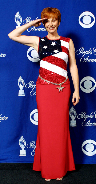 Blue Background「28th Annual People's Choice Awards」:写真・画像(11)[壁紙.com]