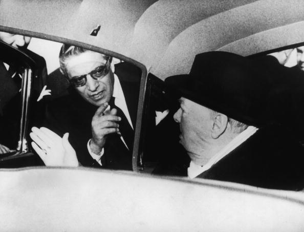 Nice Côte d'Azur Airport「Onassis And Churchill」:写真・画像(3)[壁紙.com]