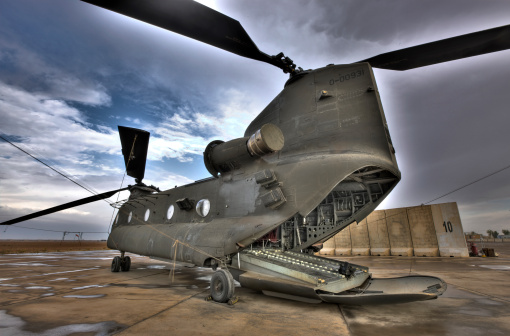 CH-47 Chinook「High dynamic range image of a CH-47 Chinook helicopter.」:スマホ壁紙(5)