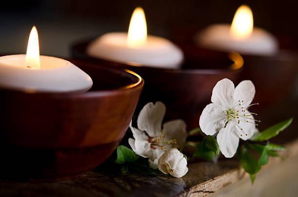 Floating Candles in a Zen Spa:スマホ壁紙(壁紙.com)