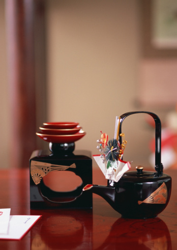 お正月「Lacquer Sake set」:スマホ壁紙(14)