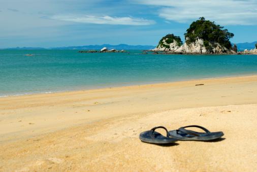 New Zealand Culture「Summer, Jandals on the Beach」:スマホ壁紙(5)