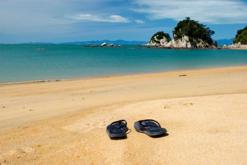 New Zealand Culture「Summer, Jandals on the Beach」:スマホ壁紙(3)