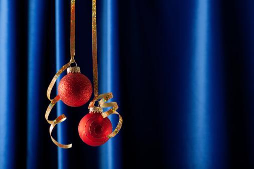ベロア「Cristmas ビーズとレッドのリボンにブルーのベルベットのカーテン」:スマホ壁紙(16)