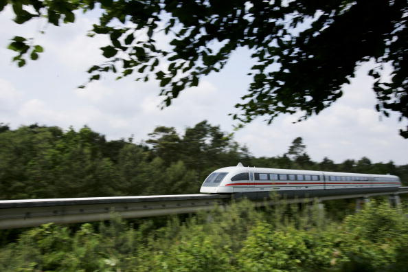 Magnet「Transrapid Certified for Automatic Operation in Germany」:写真・画像(8)[壁紙.com]