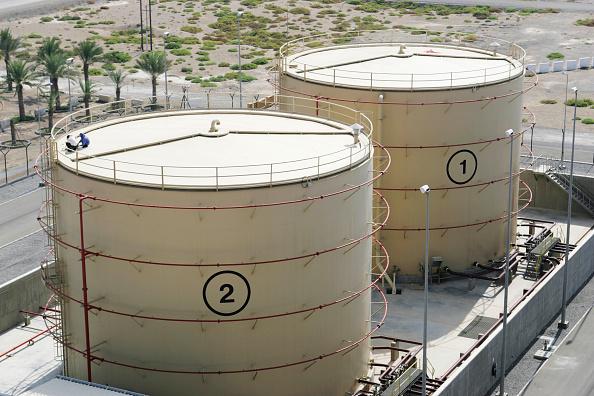 Power Supply「Storage tanks in a Power Station, Muscat, Oman」:写真・画像(18)[壁紙.com]