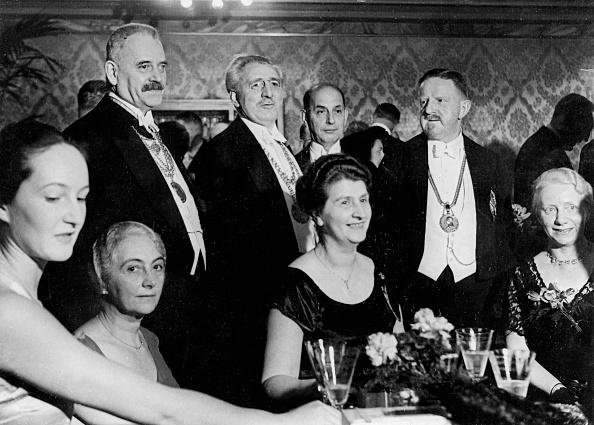 Celebration「Die Rektoren der Berliner Hochschulen auf dem Presseball 1932」:写真・画像(1)[壁紙.com]