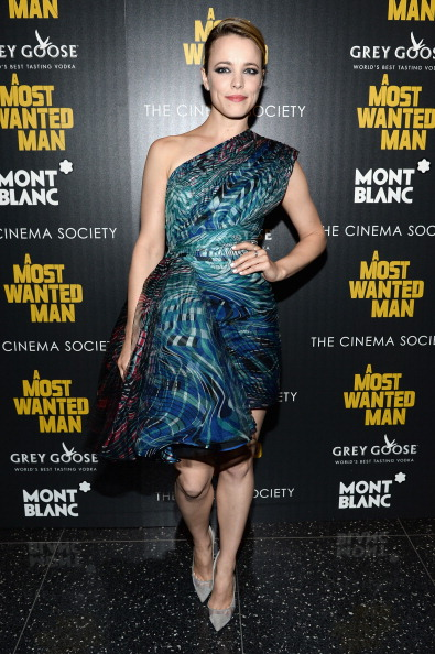 """Hair Back「The Cinema Society And Montblanc Host The Premiere Of Lionsgate And Roadside Attractions' """"A Most Wanted Man"""" - Arrivals」:写真・画像(17)[壁紙.com]"""