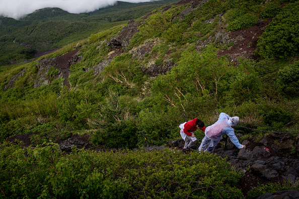 富士山「Mount Fuji Climbing Season Begins」:写真・画像(11)[壁紙.com]