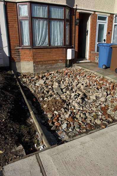 Vitality「Home renovation: preparing foundation before laying concrete on a front garden」:写真・画像(7)[壁紙.com]