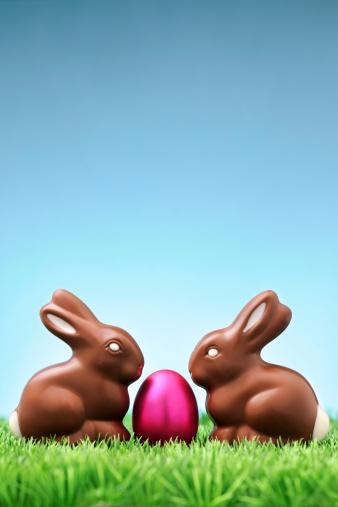 イースター「チョコレート、ピンクのウサギと卵」:スマホ壁紙(4)