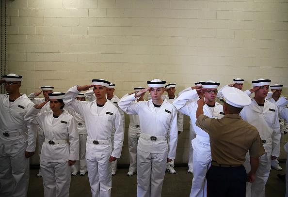 Navy「New Class Of Plebes Inducted Into U.S. Naval Academy」:写真・画像(17)[壁紙.com]