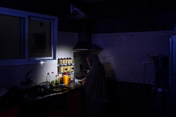Gaza Strip「Electricity Cuts Deepen Gaza Crisis 10 Years After Israeli Blockade」:写真・画像(14)[壁紙.com]