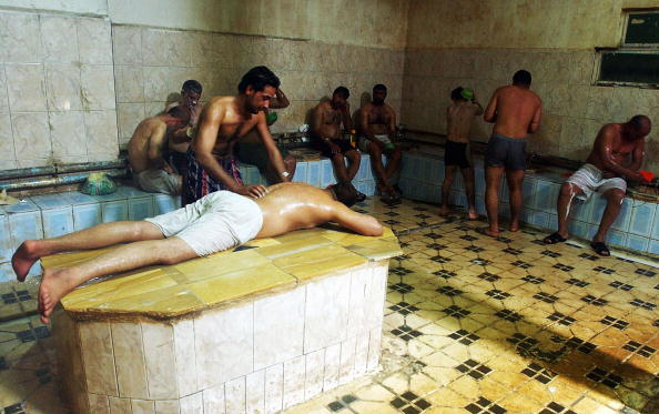 Bathhouse「Iraqis Enjoy Rest and Relaxation in Traditional Hammams」:写真・画像(3)[壁紙.com]