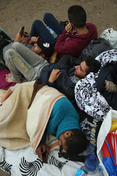 Bedding「Migrants Seeking Asylum Arrive In Berlin」:写真・画像(18)[壁紙.com]