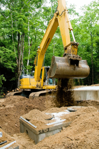 Earth Mover「Excavator burying septic tanks at construction site」:スマホ壁紙(16)