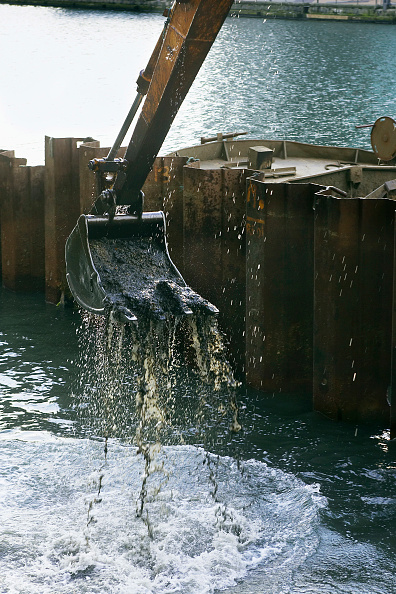 Limb - Body Part「Excavator bucket during dredging excavations」:写真・画像(12)[壁紙.com]