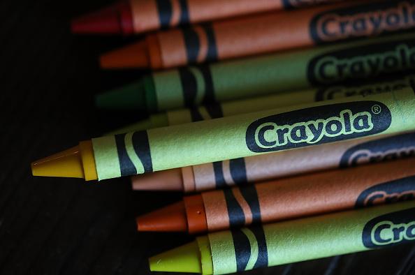 クレヨン「Crayola Crayons Announces Its Eliminating Dandelion Yellow For A New Blue Crayon」:写真・画像(18)[壁紙.com]