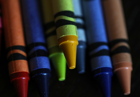 Crayon「Crayola Crayons Announces Its Eliminating Dandelion Yellow For A New Blue Crayon」:写真・画像(11)[壁紙.com]
