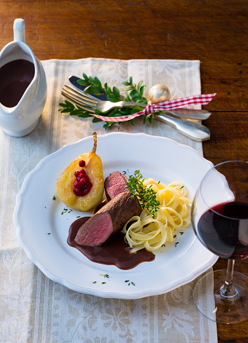 Venison「Plate of venison filet with ribbon noodles, stuffed pear and red wine sauce」:スマホ壁紙(18)