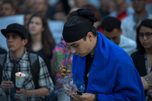 Shooing「Nation Mourns Victims Of Worst Mass Shooting In U.S. History」:写真・画像(16)[壁紙.com]