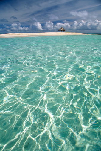 Grenadines「Crystal clear water with small island」:スマホ壁紙(17)