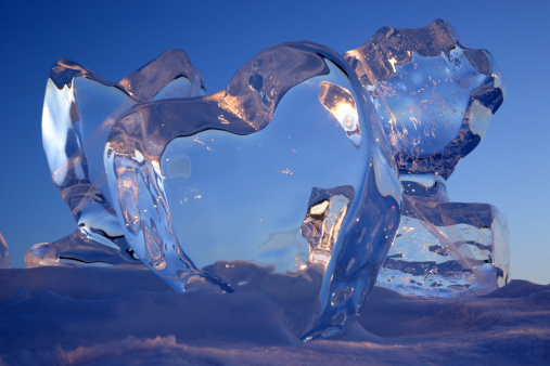 Ice Sculpture「Crystal clear heart ice sculptures.」:スマホ壁紙(8)