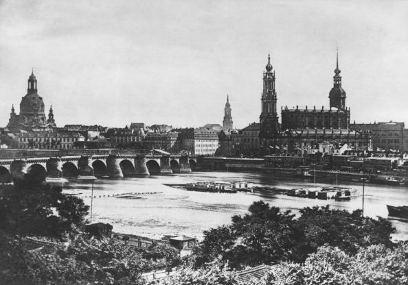 都市景観「Dresden On The Elbe」:写真・画像(8)[壁紙.com]
