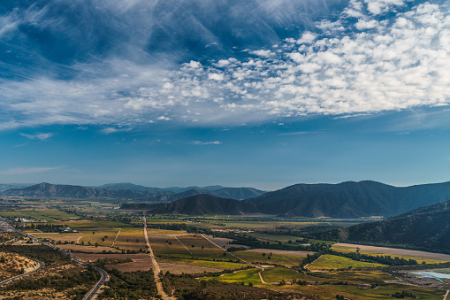 cloud「View across the vineyards of Casablanca Valley outside Santiago, Chile」:スマホ壁紙(6)