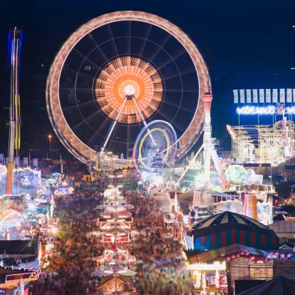 Entertainment Tent「View across Oktoberfest Muenchen」:スマホ壁紙(16)