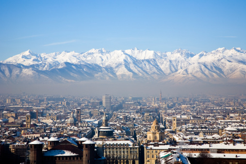 Torino Province「View across snow covered mountains, Turin, Italy」:スマホ壁紙(1)