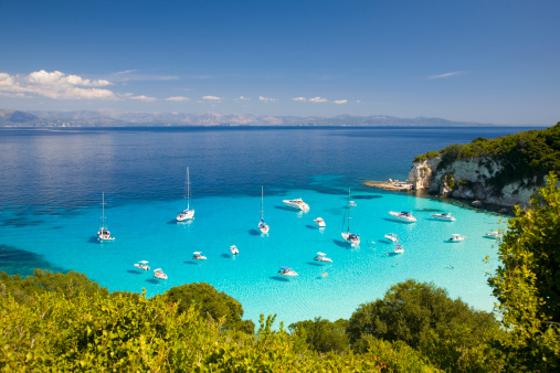 Carefree「View across turquoise sea, Voutoumi Bay, Antipaxos」:スマホ壁紙(11)